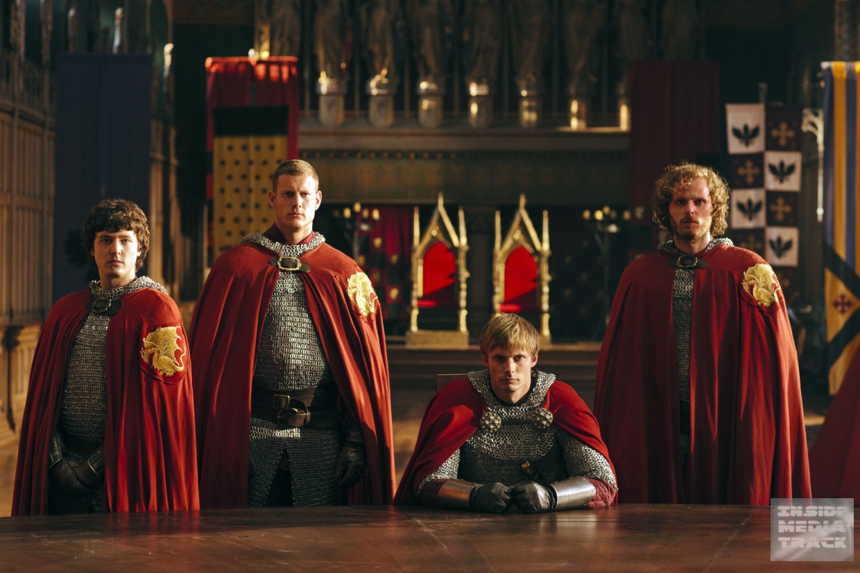 Merlin first look uther 39 s return series 5 episode 3 for 10 knights of the round table